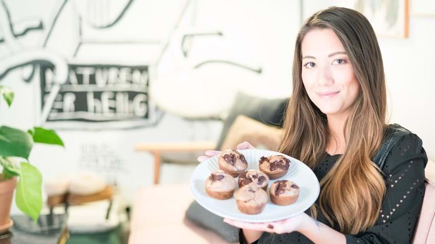 Muffins med banan og chokoladeknapper
