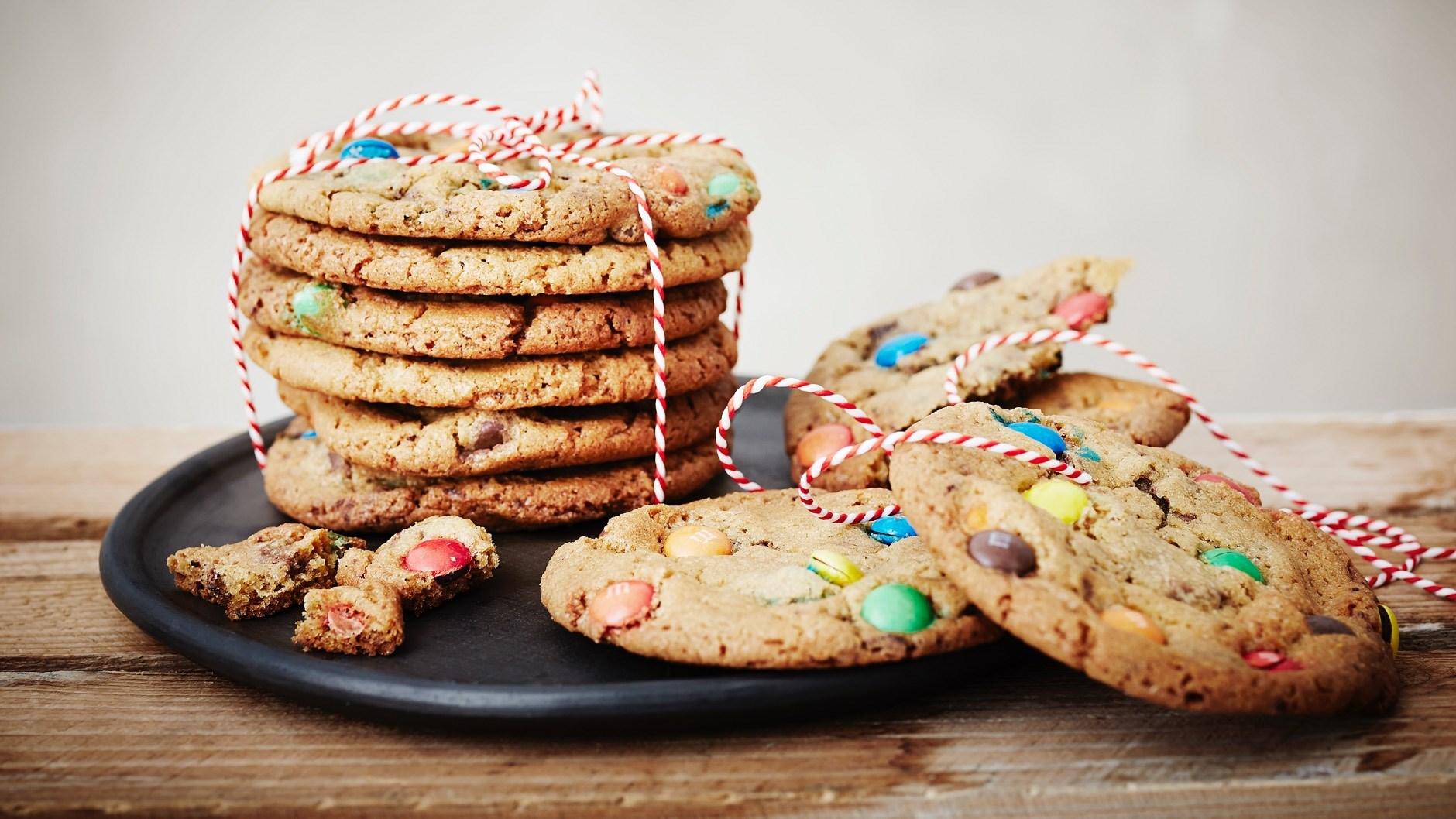smarties cookies opskrift