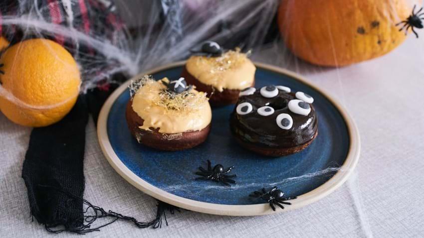 Halloween donuts med appelsin