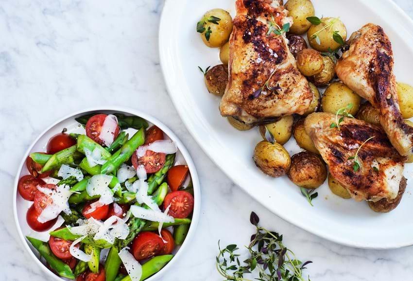 Kylling Med Kartofler Og Aspargessalat Se Opskriften Her