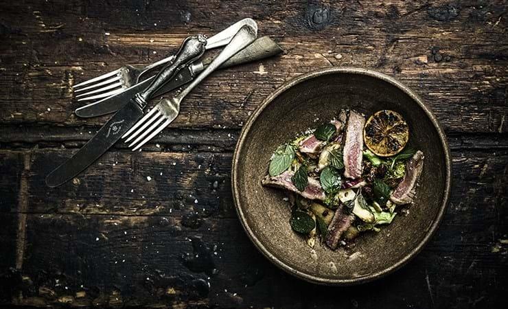 Salat med entrecote og teriyaki