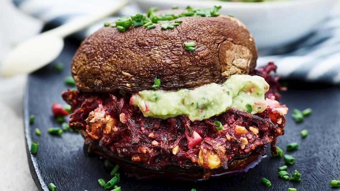 Bagt vegetarburger med guacamole