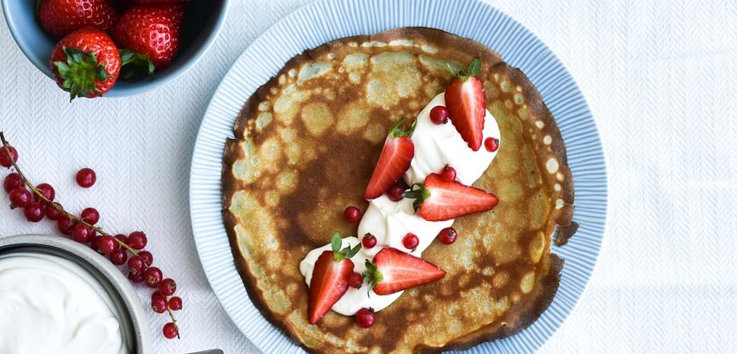 Pandekager med citroncreme  og jordbær