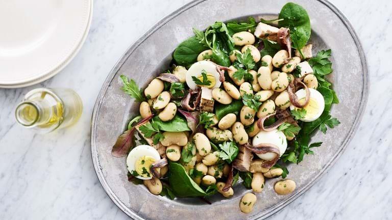 Fransk salat med butterbeans, æg og tun