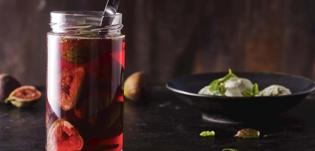 Rosévinsmarinerede figner  og hjemmelavet pistacieis